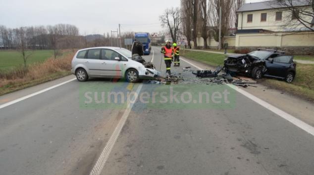 Čelní střet vozidel v Šumperku