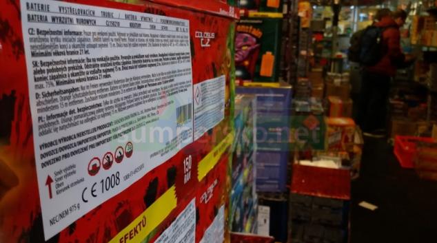 Prodej zábavní pyrotechniky se nejvíce provozuje na tržnicích