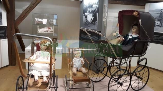 Výstava historických kočárků je prodloužena