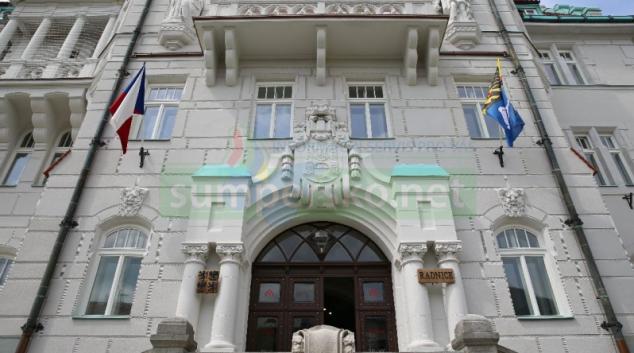 Končí výdej roušek na šumperské radnici