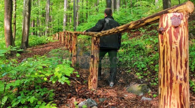 Lesníci opravili turistickou stezku z Račího Údolí