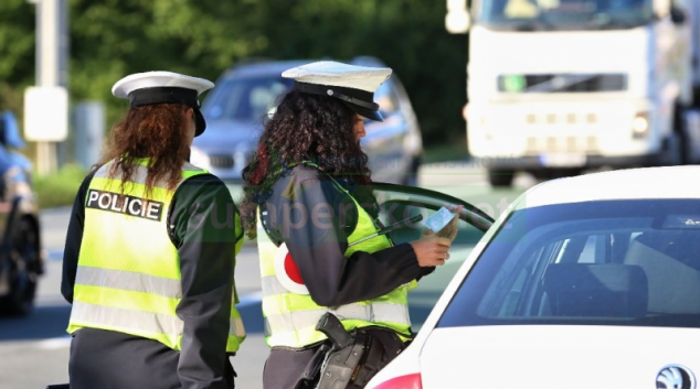 """Policie v kraji se zaměří na řidiče, kteří jezdí """"na červenou"""""""