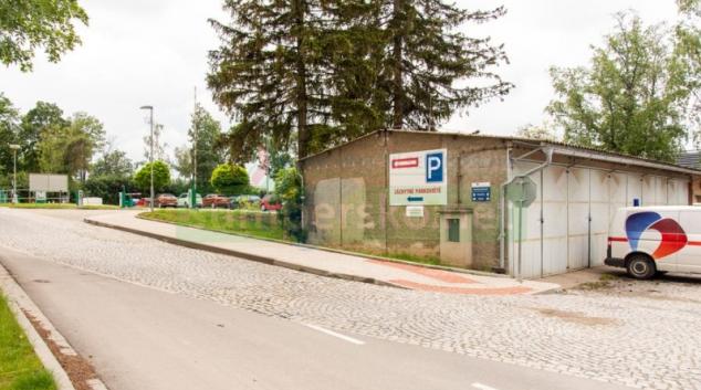 Ve FN Olomouc slouží nové chodníky