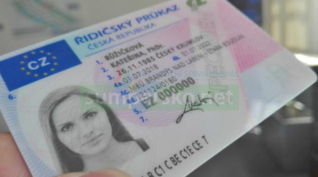 Do konce letošního roku propadne řidičský průkaz ještě 590 tisícům řidičů
