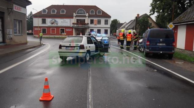 Pondělní deštivé počasí potrápilo nejednoho řidiče