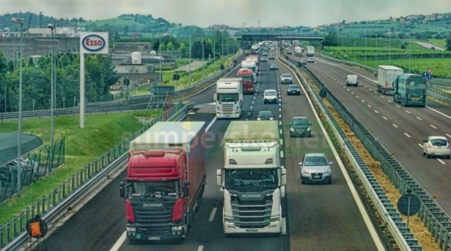 Lepší kontrola odpočinku řidičů kamionů a změna podmínek v taxi