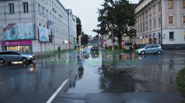 Řidič v Šumperku přehlédl chodkyni na přechodu