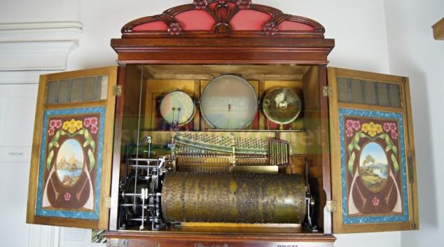 Orchestrion a jiné hrací skříňky