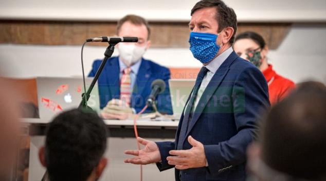 Rektor Jaroslav Miller oznámil rezignaci