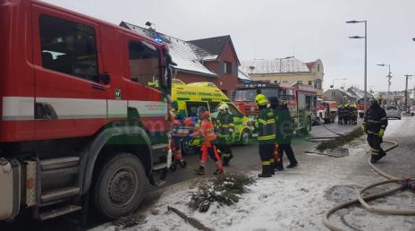 Požár rodinného domu v Lošticích má tragické následky