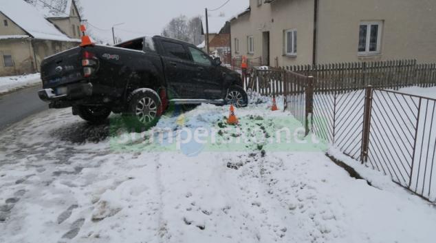 Motoristé podcenili povrch vozovky