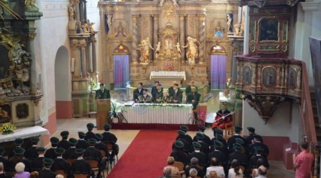 Titul bakalář získalo v Šumperku jedenáct absolventů