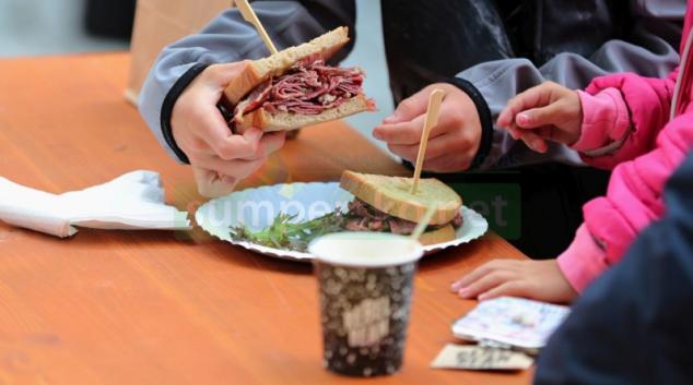 JÍDLO NA ULICI – 5. zábřežský food festival!