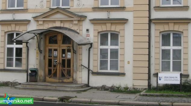 Sedm set nových zaměstnanců přijme Úřad práce ČR