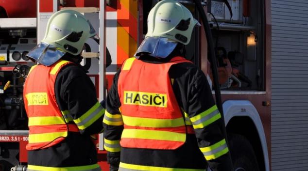 Téměř milionovou škodu způsobil noční požár v Bludově