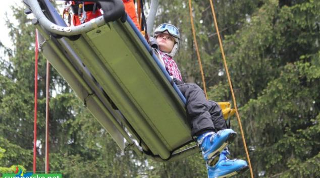 Horská služba v Jeseníkách evakuovala přes čtyřicet osob z lanovky