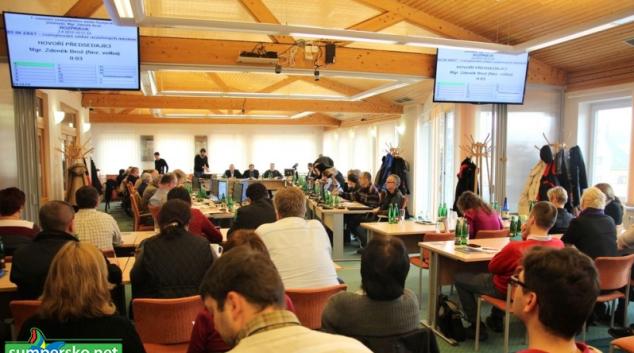Šumperáci přihlíželi jednání zastupitelů v nově upravené zasedačce