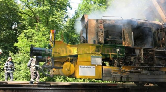 Na trati mezi Stření a Olomoucí hořela drezína