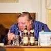 Audience v podzemí Dlouhých strání  - Norbert Lichý v roli Sládka     zdroj foto: V. Sobol