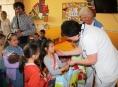 Školáci z Písařova potěšili děti v Šumperské nemocnici