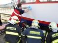 Hasiči pomohli vyprostit zraněného chlapce z pod tramvaje v Olomouci