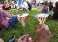 Stánkaři na vinobraní nalévali pod míru