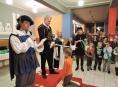 """FOTO:Na šumperské základní škole se """"pasovalo"""""""