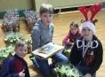 """Díky """"Vánoční hvězdě"""" pomáhají děti dětem"""