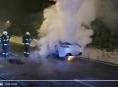 VIDEO: Škodu tři miliony korun způsobil požár luxusního vozidla