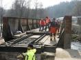 FOTO: Odklízení následků páteční nehody v Bohdíkově
