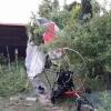 Lipník nad Bečvou - do zahrádek se ztřítil paraglidista      zdroj foto: HZS Olk.