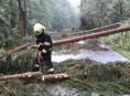 Během čtyřiadvaceti hodin mají hasiči za sebou 249 zásahů