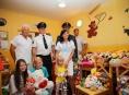 """Dobrovolní hasiči zorganizovali sbírku """"plyšáků"""" pro dětské oddělení šumperské nemocnice"""