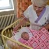 Středisko volného času DUHA obdarovalo novorozence v Jesenické porodnici                  zdroj foto: T. Želázko
