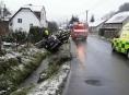 Hasiči na Šumpersku vyprostili zaklíněnou řidičku