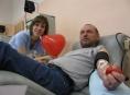 Transfúzní služba zve dobrovolníky na Valentýnské darování krve