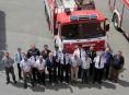 Dobrovolní hasiči převzali techniku profesionálů