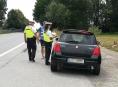 FOTO.Dopravní policie kontrolovala řidiče projíždějící Bludovem