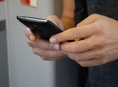 Rozeslané klamavé SMS lákají z Čechů tisíce korun