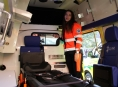 Záchranáři převzali v pátek od hejtmanství nové sanitky
