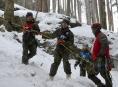 Vojáci jsou v druhé polovině nejtěžší etapy závodu v zimním přežití