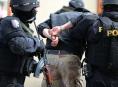 Výrobci a prodejci pervitinu skončili v policejní cele