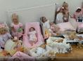 Výtěžek z výstavy uměleckých panenek podpořil novorozenecké oddělení