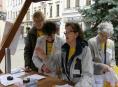 FOTO: Žluté kvítky se prodávaly v Šumperku s úsměvem
