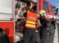 Hasiči vyprošťovali zaklíněné osoby při tragické nehodě u Dubu nad Moravou