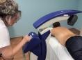 Od bolesti kloubů pomůže nový laserový přístroj