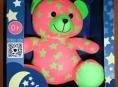 Svítící medvídek může být pro nejmenší děti nebezpečný