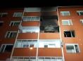 Hasiči zachránili v Uničově z hořícího bytu zraněnou osobu