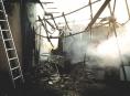 V Litovli hořel přístřešek u rodinného domu