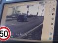 """VIDEO: Ani vyhlášení nouzového stavu """"nepřibrzdilo rychlé řidiče"""""""